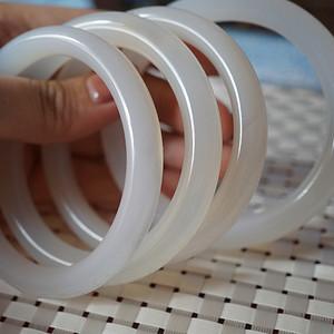 纯天然冰透圆条玉髓手镯 4个