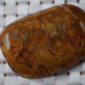 38.8克 和田黄沁籽料原石