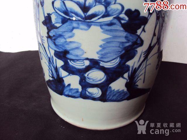 全品大清光绪青花双凤戏牡丹大花瓶一件图2