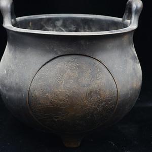 日本古美术店里最好的中国炉