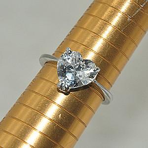 4.6克镶水晶戒指