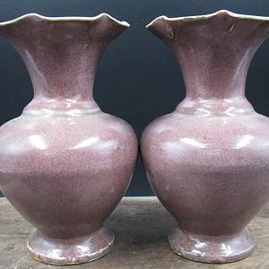 明 红釉花瓶一对