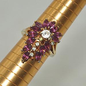 5.4克镶水晶戒指