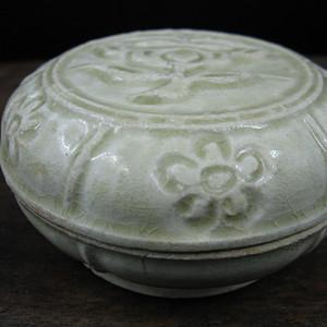 青釉 花卉印坭盒