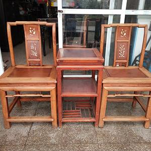 一套漂亮的花梨面椅子