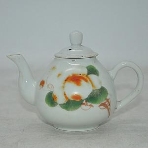 粉彩小茶壶