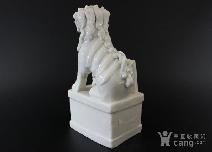清康熙 德化白釉瑞狮形香插图2