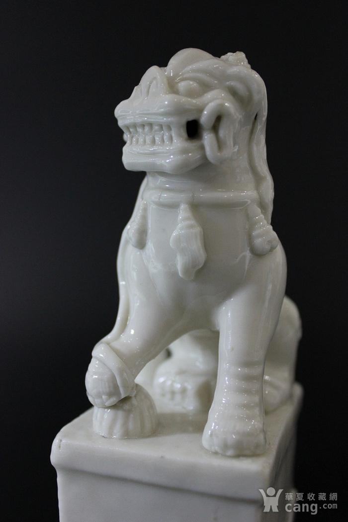 清康熙 德化白釉瑞狮形香插图5