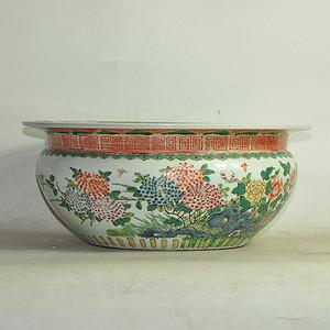 花卉粉彩瓷缸