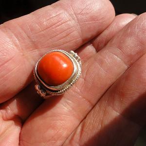 内蒙古老珊瑚面戒指