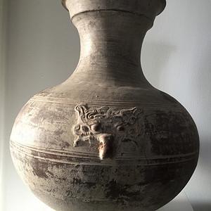 40厘米汉黄釉返银饕餮纹大壶