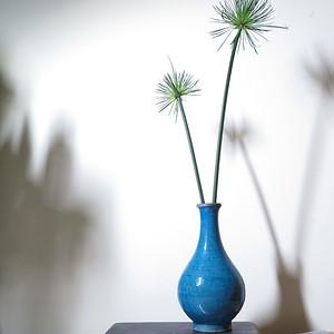 清代孔雀蓝蓝釉玉壶春瓶