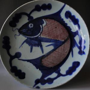 清早期青花釉里红鱼纹盘