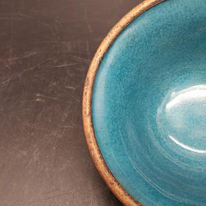 清铜胎粉彩碗