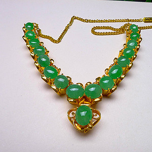 天然A货翡翠满绿托铜项链