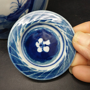 清青花茶壶