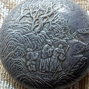 联盟 回流陈国冶瓷塑雕人物印泥盒