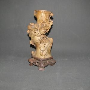 雕刻精美寿山石花瓶摆件
