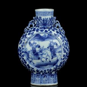 20清晚期青花刀马人物纹抱月瓶