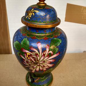 晚清铜胎烧蓝掐丝珐琅彩花卉盖罐 24