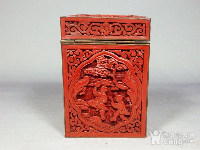 清代锡红人物雕刻四方盖盒图2