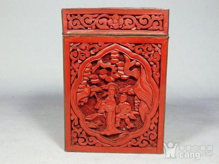 清代锡红人物雕刻四方盖盒图1