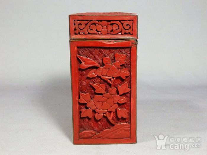 清代锡红人物雕刻四方盖盒图4