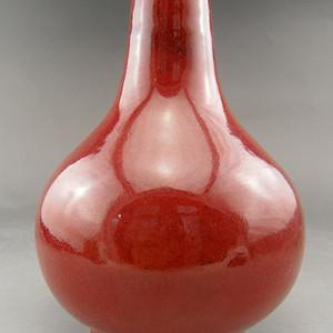 02.清代 霁红釉天球瓶