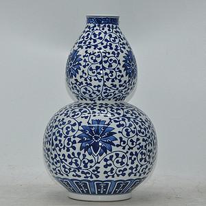 景德镇青花瓷瓶