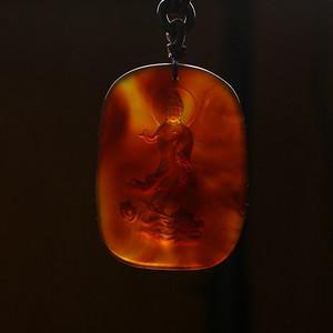 棕红缅甸琥珀龙头观音吊坠 22KD08