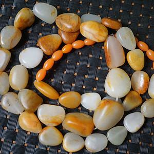 83g和田黄沁籽料原石项链