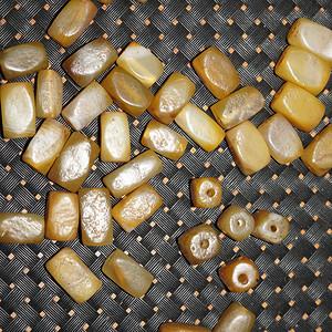 老玛瑙配珠一堆