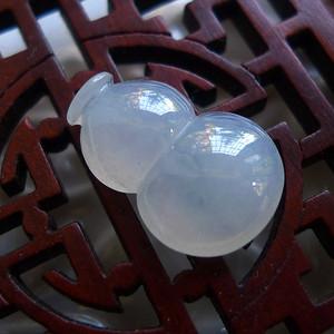 A货翡翠冰种葫芦戒面1.34g