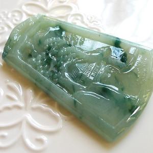 A货翡翠冰糯种硕果累累43.60g
