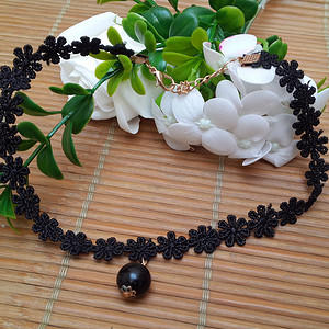 韩国布艺项链镶黑玛瑙吊坠,活接头镀金工艺。