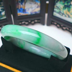 金牌 冰润飘阳绿圆条手镯