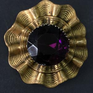 8037老铜鎏金嵌紫水晶胸针