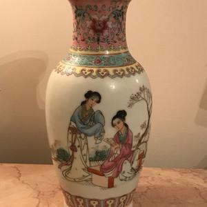 100112 建国初仕女人物棒槌瓶