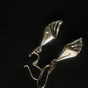 8076欧洲回流银耳环重约2克