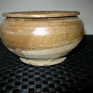 宋代茶叶末釉小罐