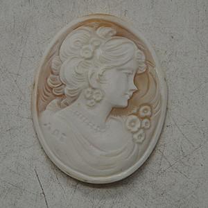 5.3克欧洲贝雕饰品