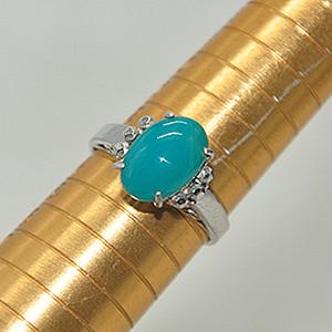 2.8克镶玉石戒指