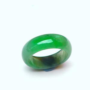 金牌 冰润满绿如意戒指
