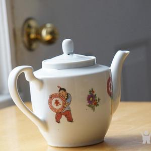 回流创汇期景德镇四季常春茶壶