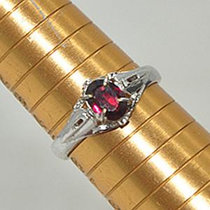 2克镶水晶戒指