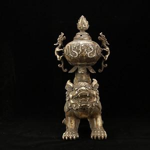 精品,年份十足的老货旧藏乡货精品  铜鎏银瑞兽托螭龙耳熏炉