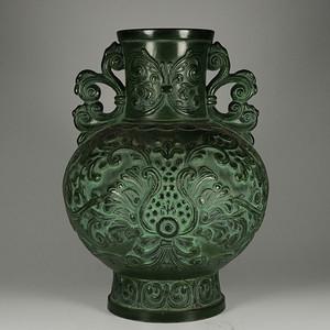 旧藏乡货  日本的铜瓶子。是名人款的。