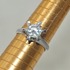 4.2克镶水晶戒指