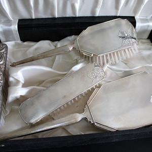 19世纪盒装纯银镜一套