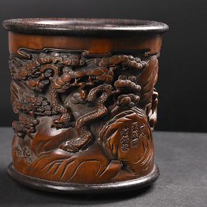 联盟 旧藏竹雕镶红木底口十八罗汉笔筒摆件